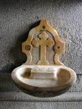 Dispersore dell'acqua santa Fotografie Stock Libere da Diritti