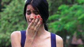 Dispiacere e depressione di tristezza in ragazze teenager archivi video