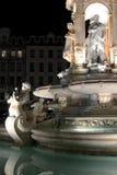 Disponga il DES Jacobins a Lione di notte fotografia stock
