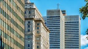 Disponga l'edificio di Sunlife & di Ville Marie Fotografie Stock