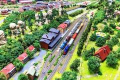 Disposição da estrada de ferro do brinquedo Fotografia de Stock Royalty Free