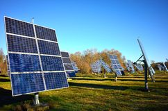 Disposição dos painéis da energia solar Fotos de Stock Royalty Free