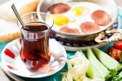 Disposición con el desayuno turco tradicional Fotos de archivo