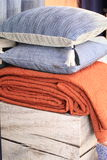 Disposición de la almohada y de la cubierta Fotografía de archivo