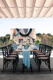 Disposición de la decoración del aire abierto del evento de la boda, tiempo de verano Imagen de archivo libre de regalías
