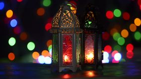 Disposición del estudio de la luz corta tirada de la linterna encendida - mostrando el kareem del Ramadán o la celebración de Mub almacen de video