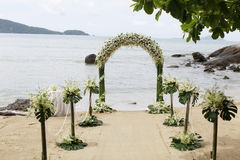 Disposición hermosa de la boda de playa. Imágenes de archivo libres de regalías