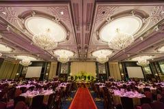 Disposiciones magníficas del interior y de la tabla del restaurante Fotografía de archivo libre de regalías