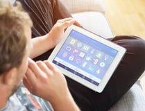 Dispositif à la maison intelligent - contrôle à la maison Image libre de droits