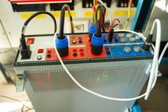 Dispositif électrique pour examiner le relais images libres de droits