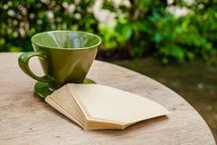 Dispositif d'écoulement vert de coffe Photo stock