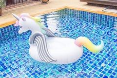 Dispositif de flottaison de licorne photographie stock