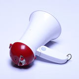 Dispositif de haut-parleur de mégaphone, couleur rouge blanche, aucun logo Images libres de droits