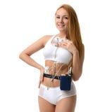 Dispositif de moniteur de holter d'examen médical de femme pour la surveillance quotidienne Photo stock