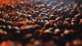 Dispositif pour la torréfaction de grains de café Images stock