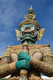Dispositif protecteur géant dans le temple Photographie stock
