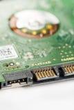 Dispositif supérieur de disque dur de macro recouvrement électronique de sata de plan rapproché avec le foyer sélectif Images stock