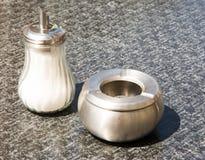 Dispositif trembleur et cendrier de Shugar Photo stock