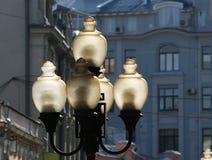 Dispositifs de rue à Moscou dans la rue Arbat Photographie stock