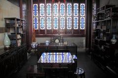 Dispositifs et jardin de salon de style chinois image stock