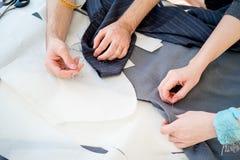 Dispositifs pour des tailleurs photo stock