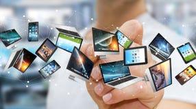 Dispositifs se reliants de technologie d'homme d'affaires avec un rendu du stylo '3D Photographie stock libre de droits