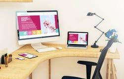 dispositifs sensibles sur le site Web sensible impressionnant de bureau de coin illustration libre de droits