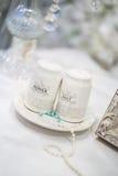 Dispositifs trembleurs de sel et de poivre épousant la décoration Photo stock