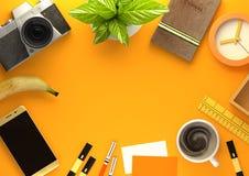 Disposition de bureau orange d'espace de travail Image libre de droits