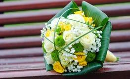 Dispositions de fleurs de mariage Photographie stock