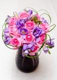 Dispositions de fleurs de mariage Photographie stock libre de droits