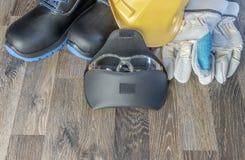 Dispositivi di protezione individuale dalle lesioni sul lavoro fotografie stock libere da diritti