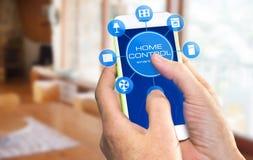 Dispositivo casero elegante - control casero fotografía de archivo libre de regalías