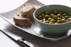 Dispositivo d'avviamento del pane e dell'oliva Immagine Stock Libera da Diritti