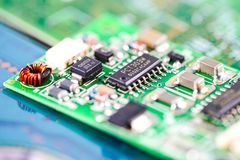 Dispositivo de la electrónica del consejo principal de la CPU del circuito de ordenador: concepto de hardware y de tecnología fotografía de archivo