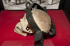 Estante de tortura medieval estirado