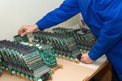 Dispositivo del ultrasonido de la tecnología y del desarrollo. fotos de archivo libres de regalías