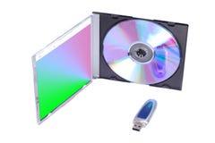 Dispositivo di memorizzazione del Usb e disco del dvd Fotografie Stock Libere da Diritti