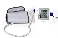 Dispositivo di misurazione di pressione sanguigna. immagini stock libere da diritti