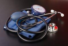 Dispositivo di misurazione di pressione sanguigna Fotografia Stock Libera da Diritti