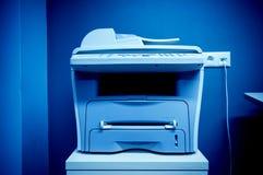 Dispositivo multifuncional de la impresora de oficina Imagen de archivo libre de regalías