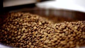 Dispositivo para la asación de los granos de café metrajes