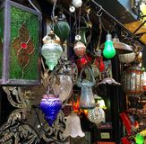 Dispositivos bondes de iluminação na feira da ladra Fotos de Stock