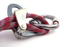 Dispositivos de Carabiner, de la cuerda y del belay Foto de archivo