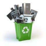 Dispositivos de cocina viejos en el compartimiento de los desperdicios en blanco tim stock de ilustración