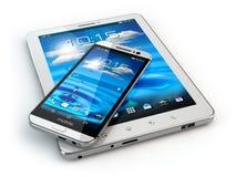 Dispositivos móveis Smartphone e PC da tabuleta no backg branco Fotografia de Stock
