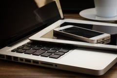 Dispositivos modernos do computador Imagens de Stock