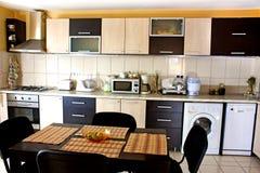 Dispositivos modernos na cozinha Imagem de Stock Royalty Free