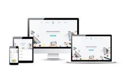 Dispositivos responsivos del vector del desarrollo del diseño web y del sitio web Fotografía de archivo libre de regalías