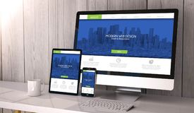dispositivos responsivos no espaço de trabalho que mostra respons frescos e modernos Imagem de Stock